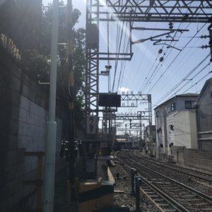踏切南景 右に緩やかなカーブ後、京阪中書島駅へ